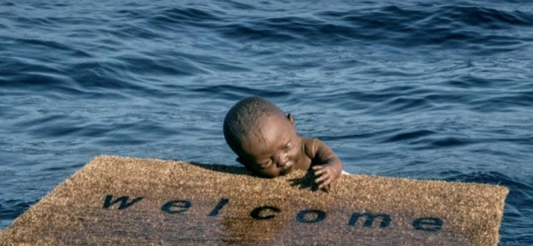 Frederico Clapis welcome sculpture baby mat water