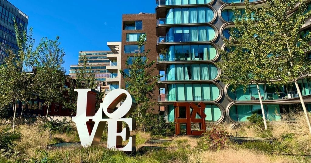 The-HighLine - NYC--LOVE -Sculpture - Robert Indiana
